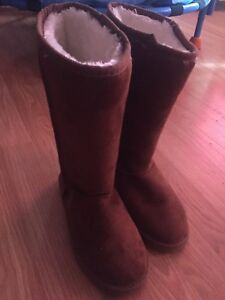 Cute brand new boots never worn size 6.5
