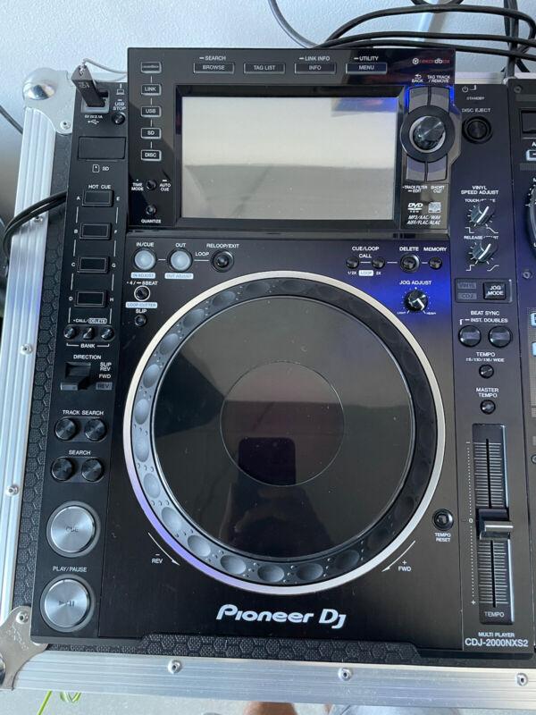 Pioneer CDJ 2000 NXS2 Nexus 2 CD/USB, Great Condition. Home Use