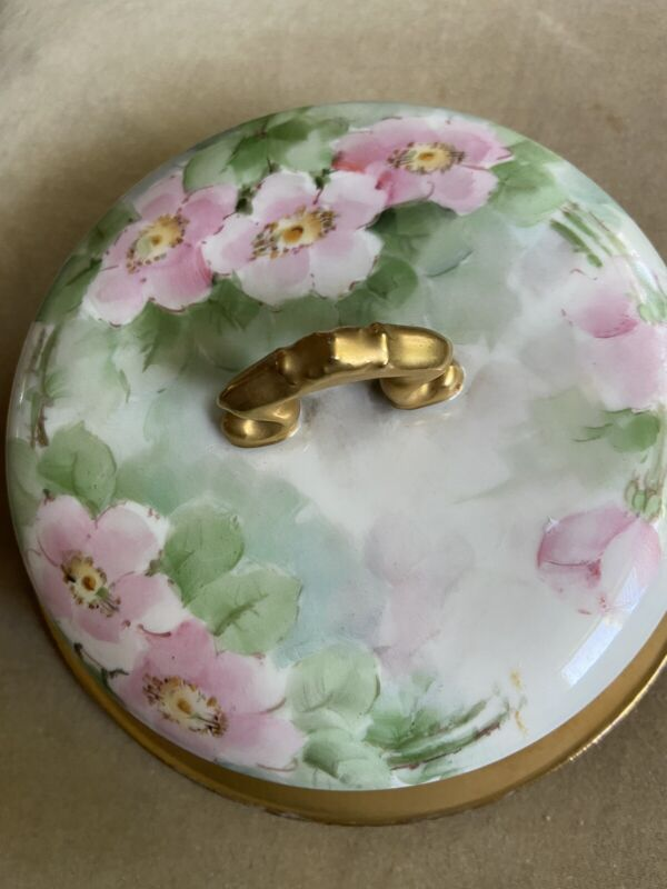 ROUND ANTIQUE BUTTER DISH / CHEESE DOGWOOD PATTERN SIGNED FRANCE