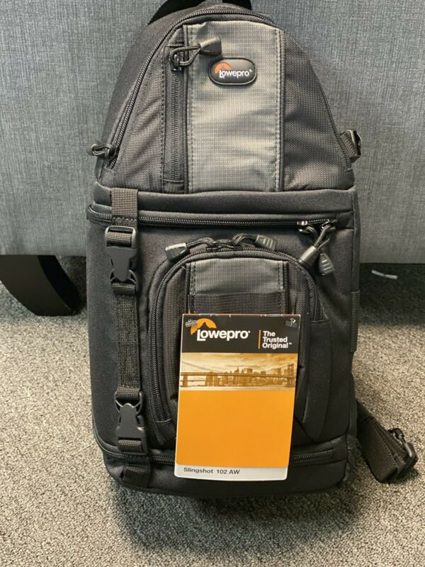 LOWEPRO CAMERA SLINGSHOT BAG 102 AW WITH RAIN COVER - NEW