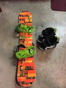 146 Libtech Skatebanana with flux bindings and sims boots
