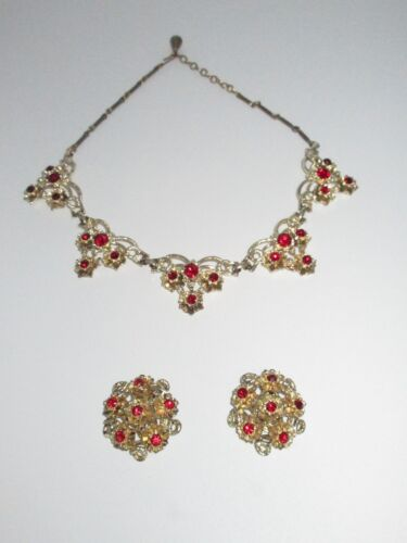 Vintage Set Collar Necklace Clip On Earrings Gold Tone Red Rhinestone Crystal