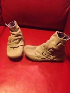 Tan BLOWFISH ankle boots like new sz 8.5