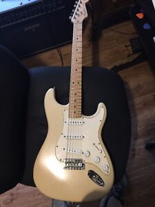 2002 Fender Highway One Stratocaster USA made with H/S Case