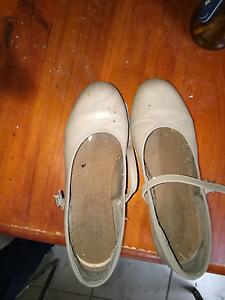 Tan tap shoes Weston Cessnock Area Preview