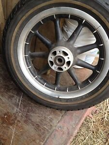 Harley Davidson 2006 Ultra classic rim with new tire