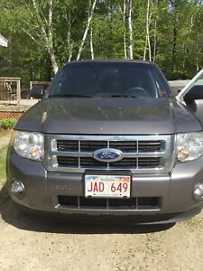 **Reduced * 2011 Ford Escape AWD XLT