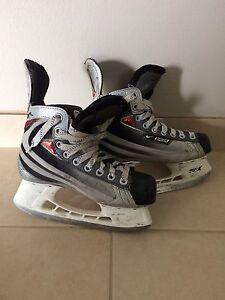 Used Bauer skates  Stratford Kitchener Area image 1