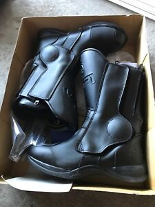 New Motorcycle boots women size 8