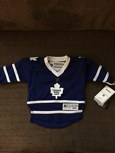 Toddler maple leaf jersy