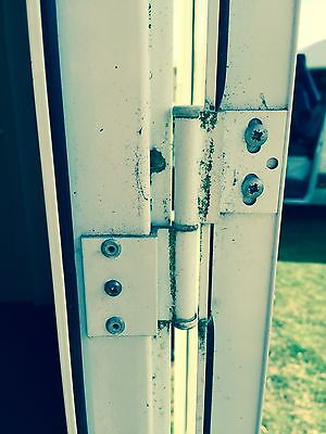 How To Change A Static Caravan Door Hinge