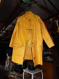 YELLOW wet weather gear Gladysdale Yarra Ranges Preview