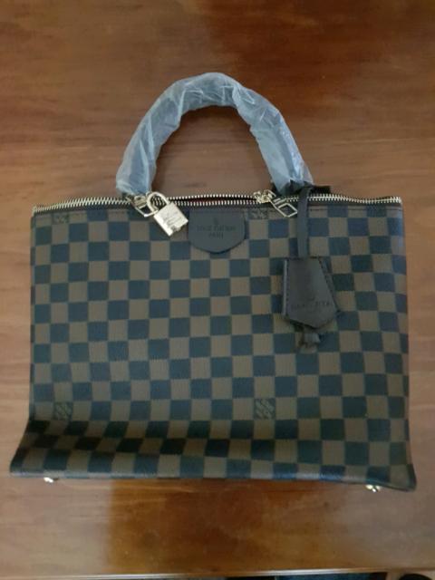 862a7686ae0b Louis Vuitton Brompton Bag