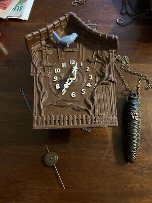 Antique Wood Carved Medium Wall Clock Moving Blue Birdie Old N Beautiful Look 👀