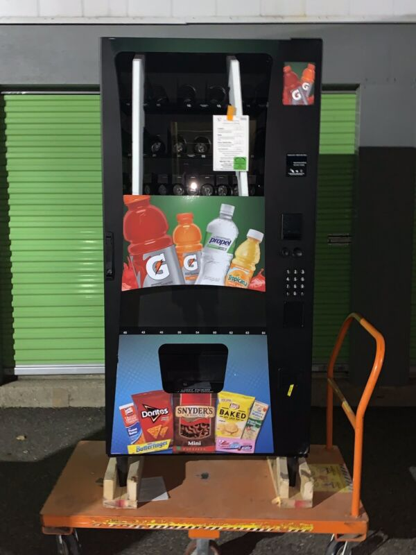 Selectivend Advantage Plus Combo Vending Machine