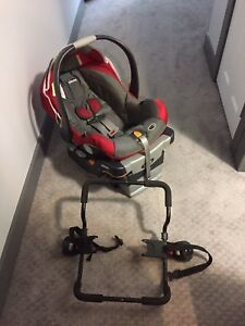 Chicco infant car seat with base and a stroller adapter