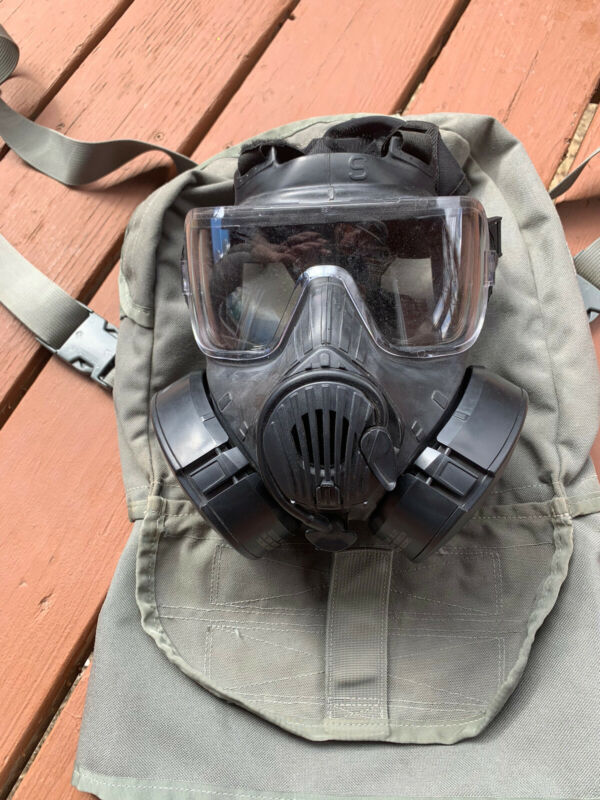 AVON M-50 PROTECTIVE GAS MASK SIZE Small w/Filter & bag