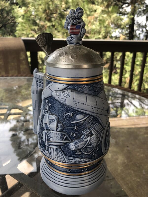 Avon~Nasa Apollo Beer Mug/Stein Astronaut ~Pewter Lid~ Conquest of Space 1991