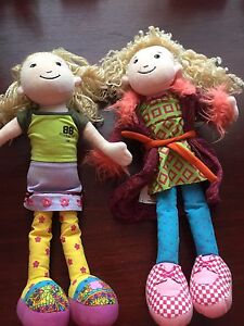 Two groovey girls dolls