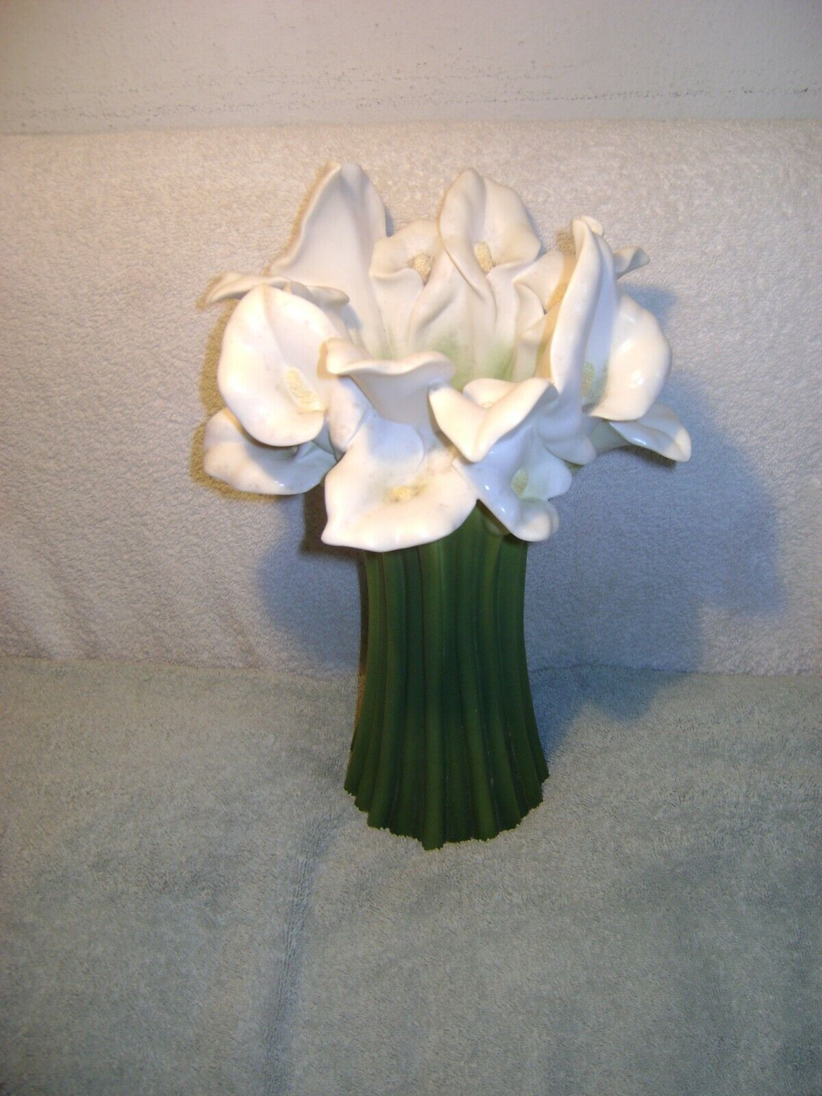 IBIS ORCHID DESIGN 301 CALLA LILY BONDED MARBLE 13 VASE - $22.00