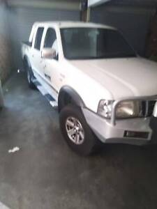 2005 Automatic petrol Ford courier 4sale