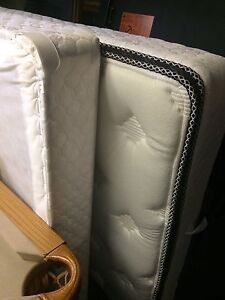 REDUCED- Double mattress and box spring  London Ontario image 1