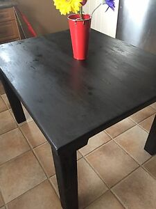 Murano black harvest table