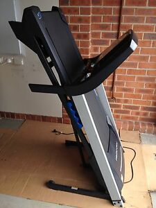 Pro-form Treadmill 520zlt Glenfield Campbelltown Area Preview