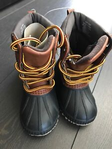 Brand new snow boots shoes for toddler size 5T/6T Gap baby