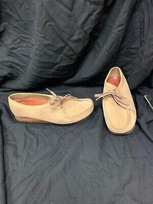 Gently Worn Men's CLARKS ORIGINALS WALLABEE Tan Leather Shoes sz 9.5M FS Charity