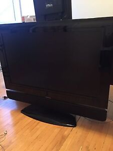 """42"""" Viewsonic LCD TV With removable stand, remote & manual"""