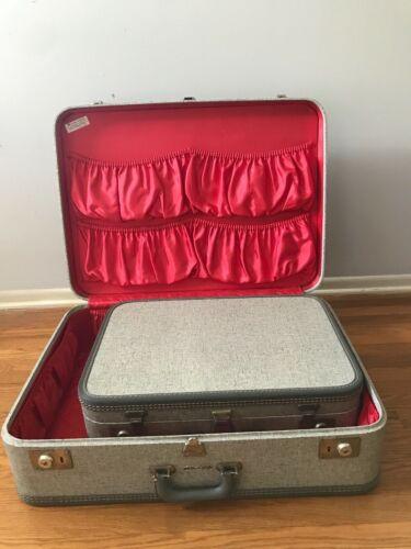Travel Joy Vintage Suitcase Set