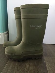 Sz 7 Dunlop Thermo CSA boots