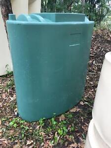 600L Green Slimline rainwater tank