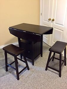 Pub high dinning set in black great condition