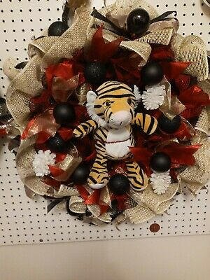 Holiday Tiger Door Wreath