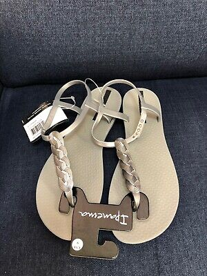 Ipanema Braid Women's Sandals, Gray/Silver (9 US) NWT, FREE SHIPPING!