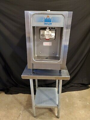 Taylor 152-12 Counter Top Ice Cream Yogurt Machine. 115v 1 Phase