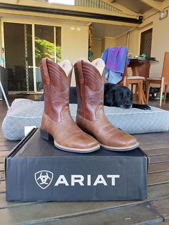 Ariat mens boots - Sport Wide Square Toe - size 8.5 EE wide.