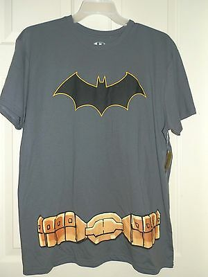 New Mens size Large 42-44 Batman T-Shirt with Attached Cape Gray  (Superhero T Shirts With Cape)
