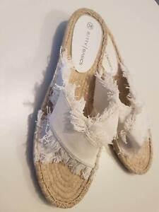 Betty Basic White Size 7 (38) Espadrille Slide – Brand New Wollongong Wollongong Area Preview