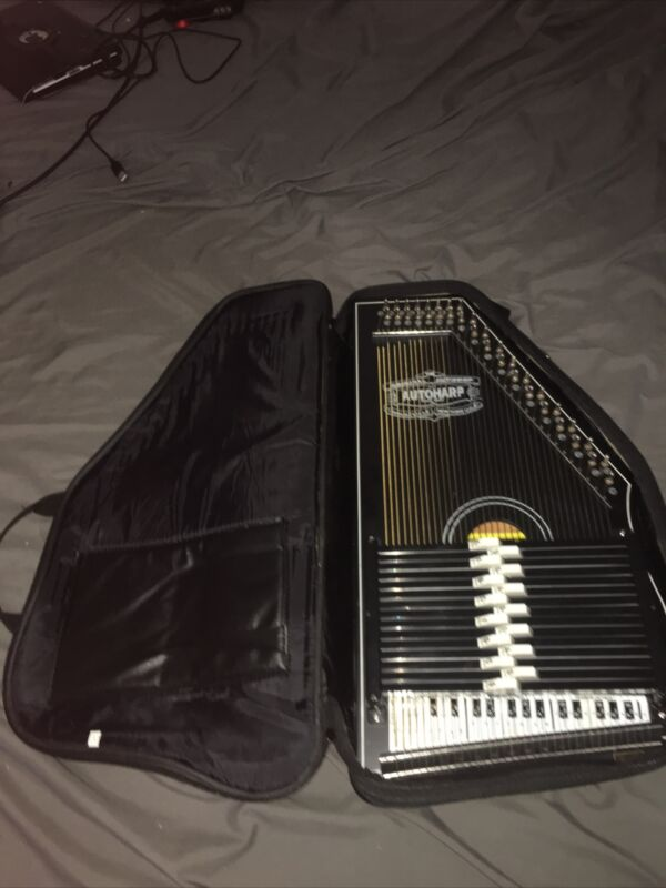 Oscar Schmidt OS-73B 15 Chord 1930's  Reissue AutoHarp With Case Great Condition