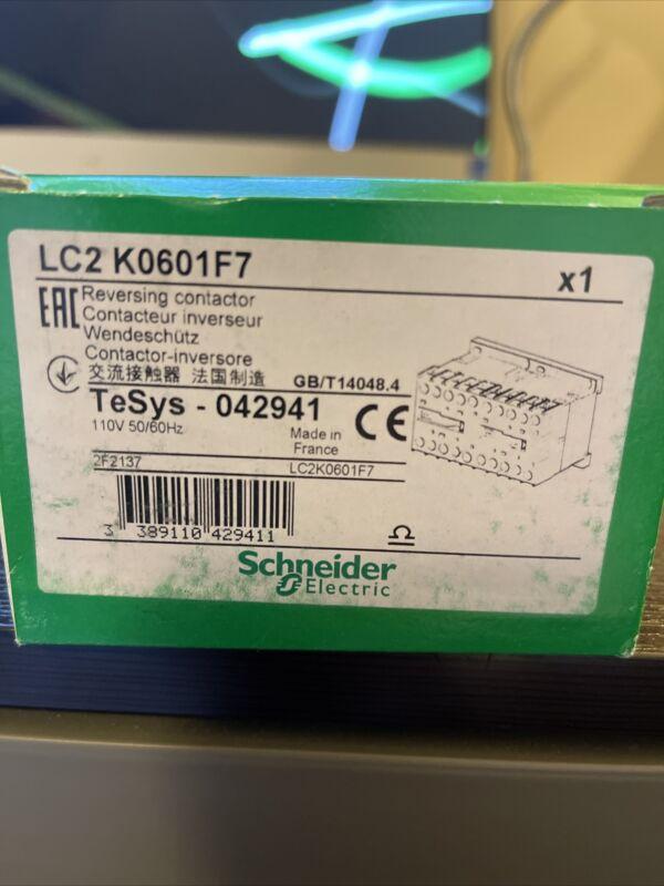 LC2K0601F7. REVERSING. STARTER SCHNEIDER