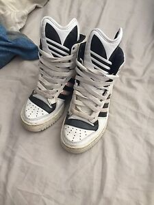 Size 6 ADIDAS high tops Lockleys West Torrens Area Preview