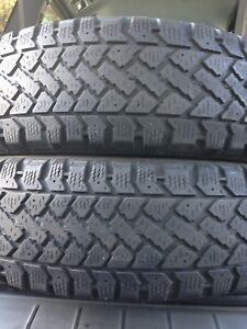 2-185/60R15 snow trekker winter tires