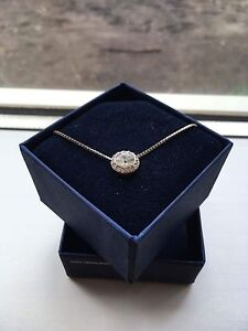 Beautiful Swarovski crystal pendant necklace with free bracelet!