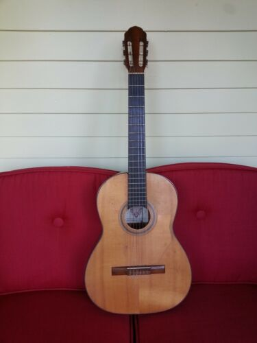 RAPHAEL classical guitar ISRAEL made 1967 rare vintage luthier project Judaica