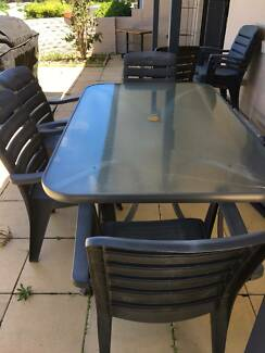 Outdoor Dining Setting w 8 chairs