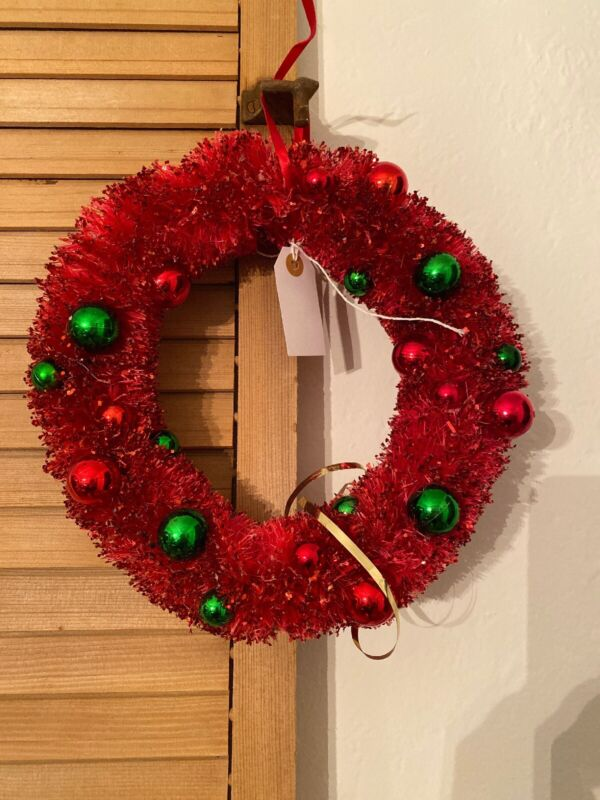 Vintage Christmas Pinkish-Red Bottle Brush Wreath With Ornaments