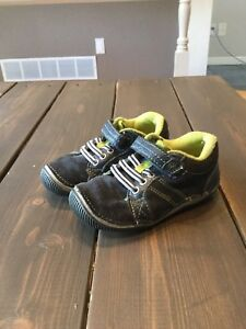 Stride rite toddler boys shoes 8W